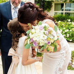 brudebukett-i-lilla og-hvitt