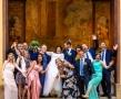 feststemning-bryllup-i-utlandet-med-venner
