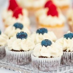 kakebord-bryllup-inspirasjon-cupcake
